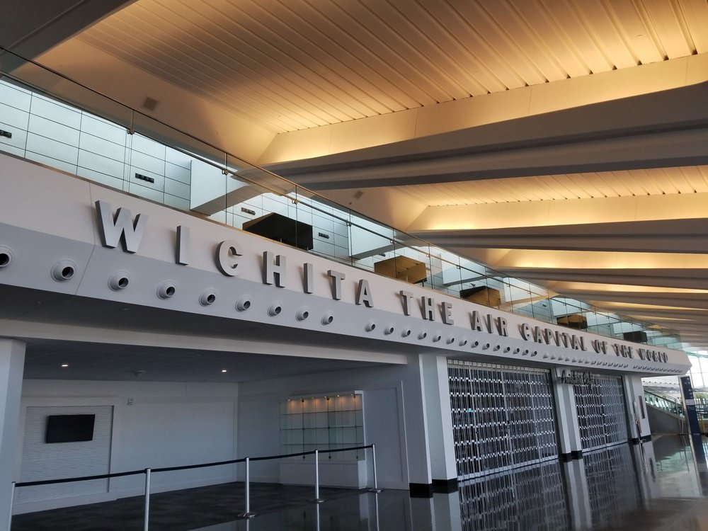 Wichita Dwight D Eisenhower National Airport: 2277 Eisenhower Airport Pkwy, Wichita, KS