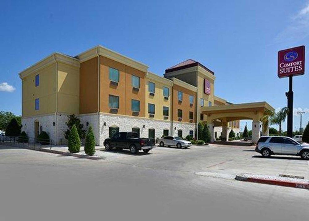 comfort suites 24 photos hotels 5100 7th st bay. Black Bedroom Furniture Sets. Home Design Ideas