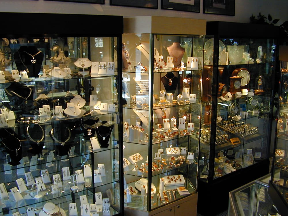 M & D Hubbell Jewelry: 12022 Manchester Rd, Saint Louis, MO