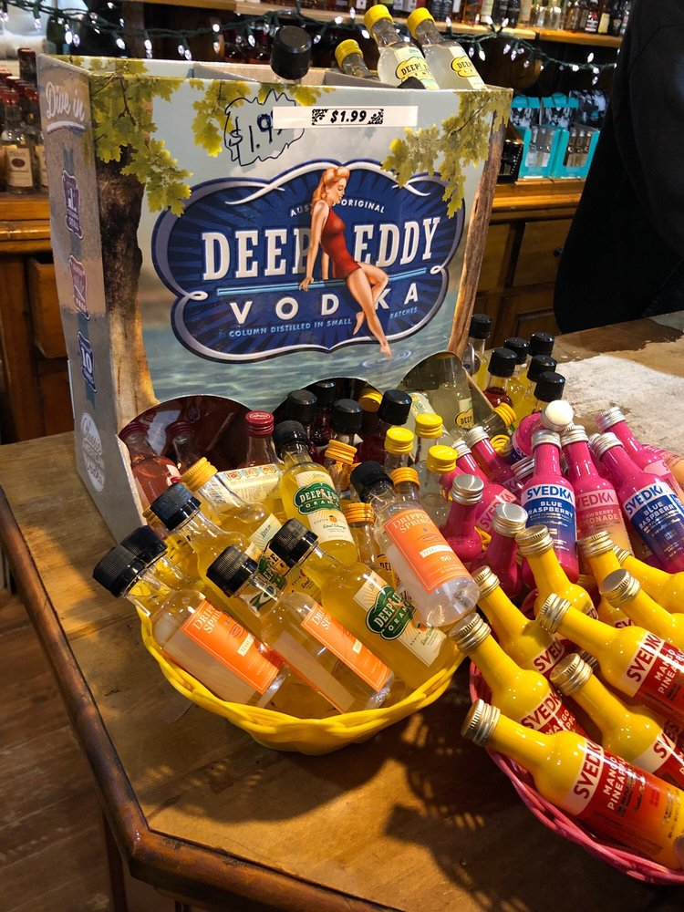 Market Wine & Spirits: 210 Offerson Rd, Beaver Creek, CO