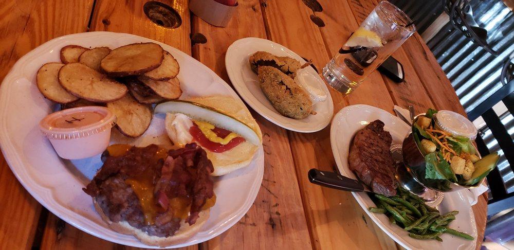 Granary Bar & Grill: 64 S 300th E, Monticello, UT