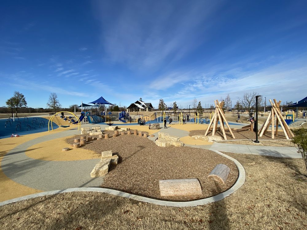 Windhaven Meadows Park: 5400 Windhaven Pkwy, Plano, TX