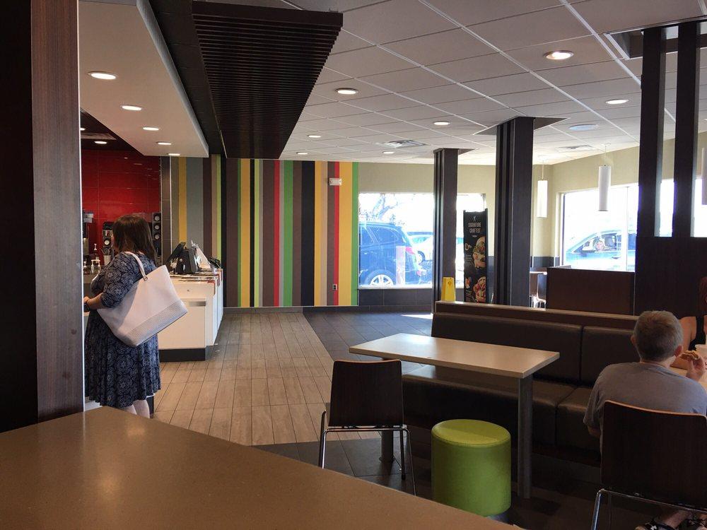 McDonald's: 6415 State Hwy 77, Benton, MO