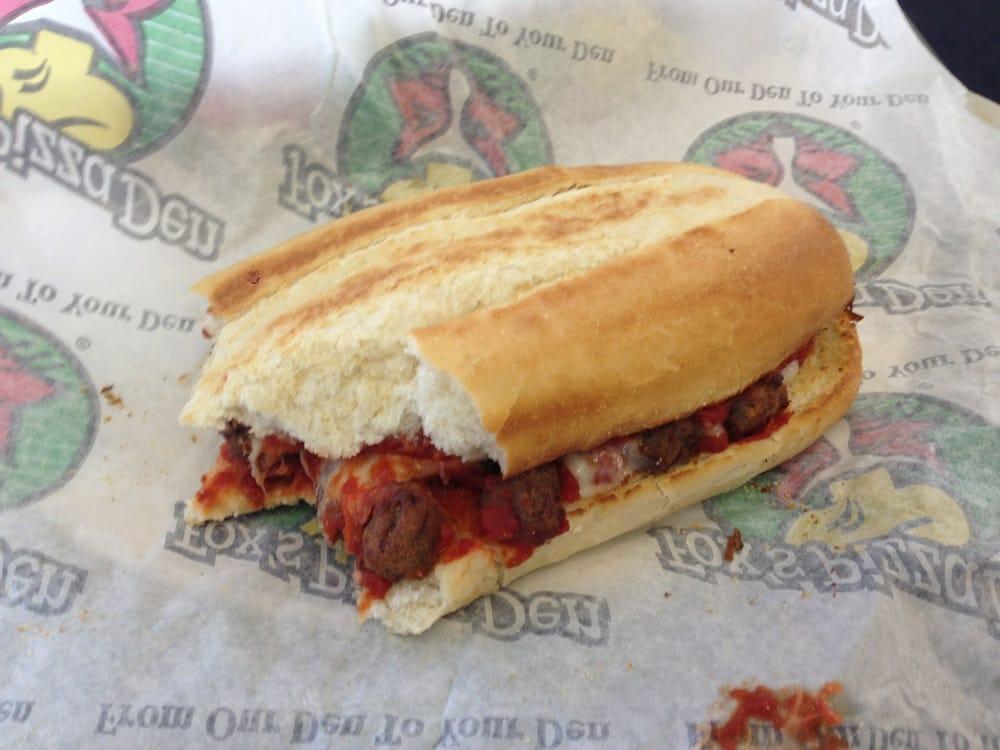 Fox's Pizza Den: 10858 Route 422, Shelocta, PA