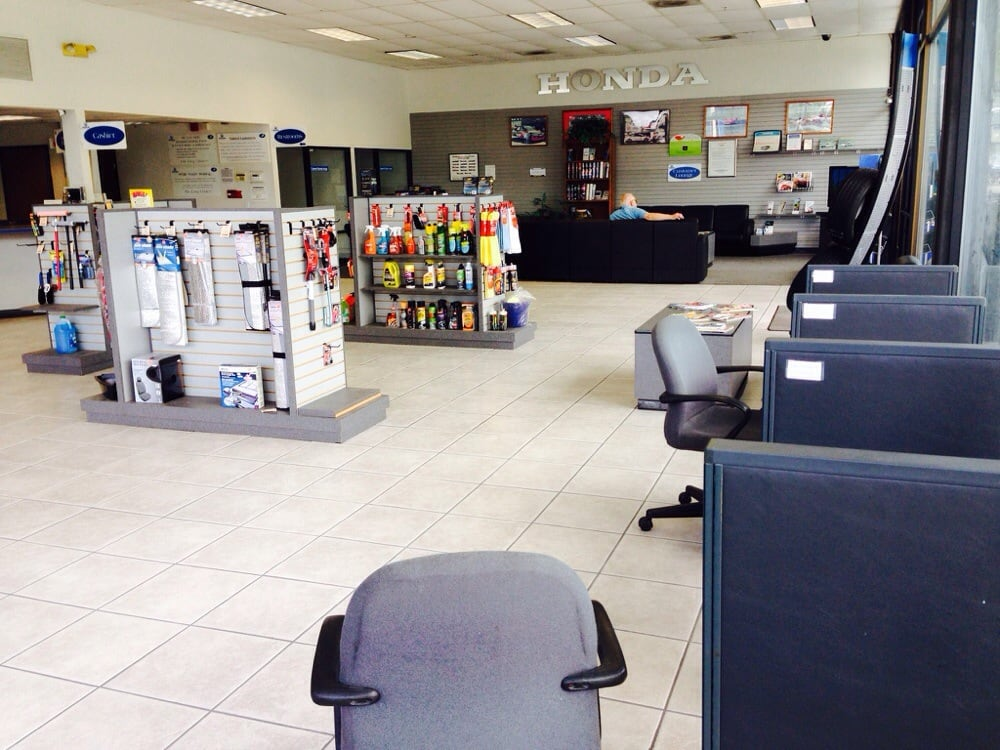 Lobby area for service side yelp for Larry hopkins honda service