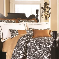 The well dressed bed home decor 5959 topanga canyon for Home decor 91304