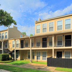 Fairway View Apartments 10 Reviews Apartments 2225 College Dr