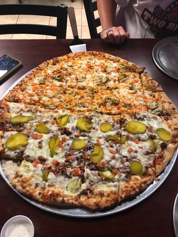 Arkansas River Pizza Company: 5395 W Ash St, Pottsville, AR