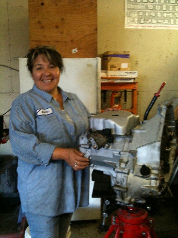 Family auto repair motor mechanics repairers 4546 for Family motors auto repair