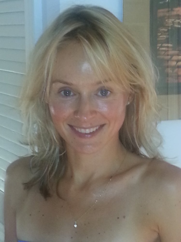 Amber organic tan studio closed tanning salons 108 for Absolute tan salon milton fl
