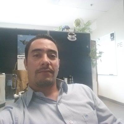 Roberto J.