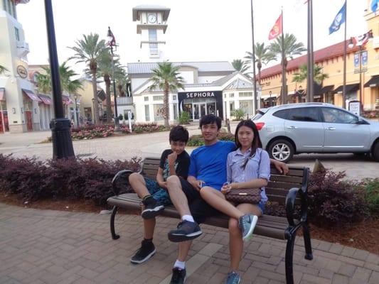Phuong V.