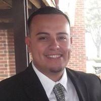 Mauricio R.